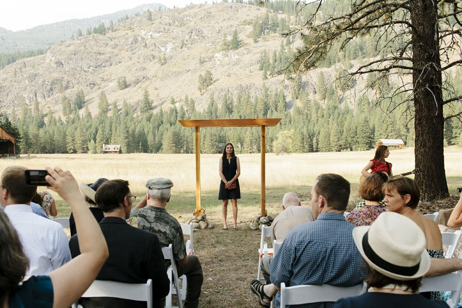 Mazama Wedding Photography