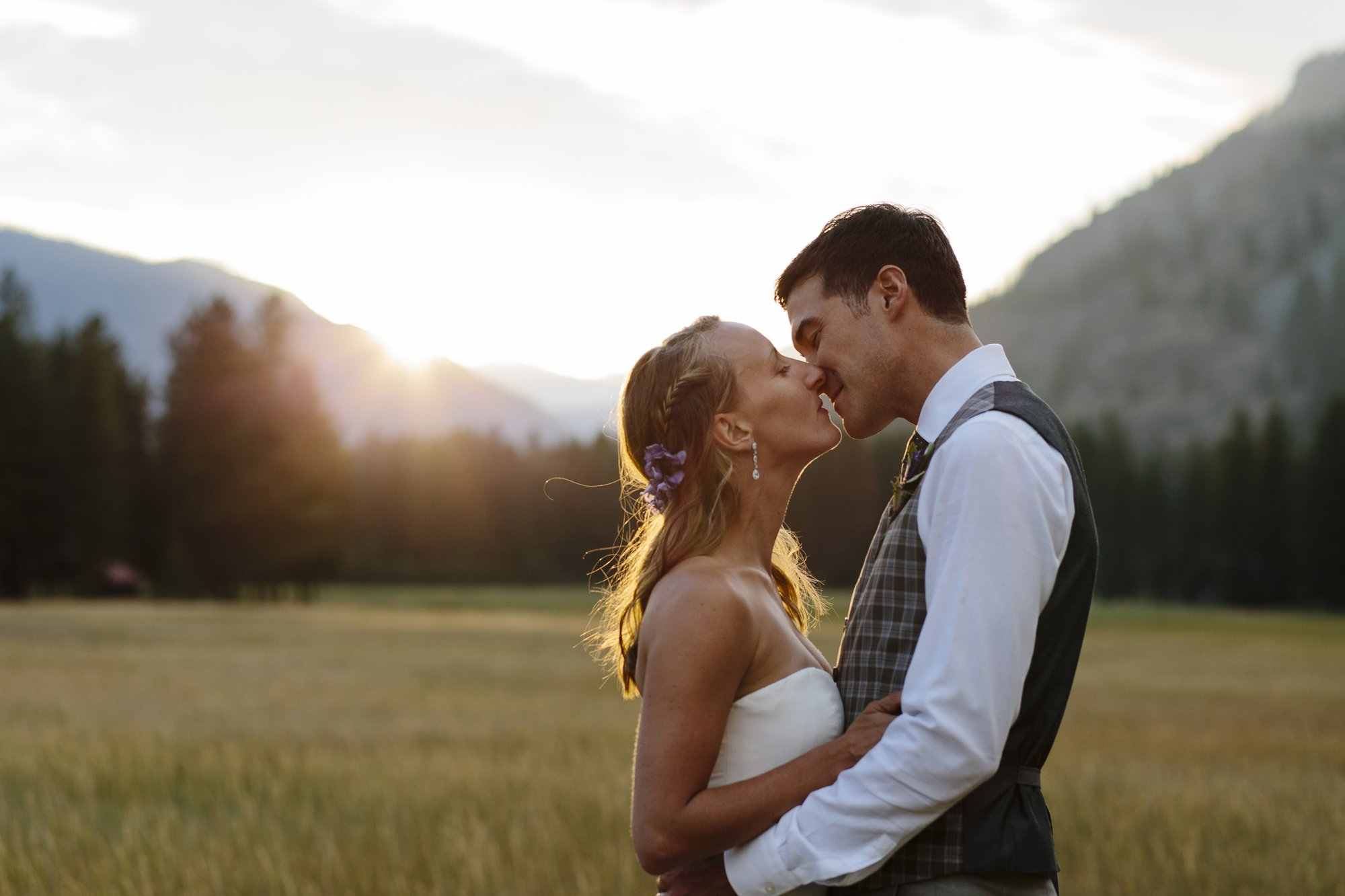 Couple Kissing at Sunset at Mazama Ranch House Methow Valley // Emily Wenzel Photography