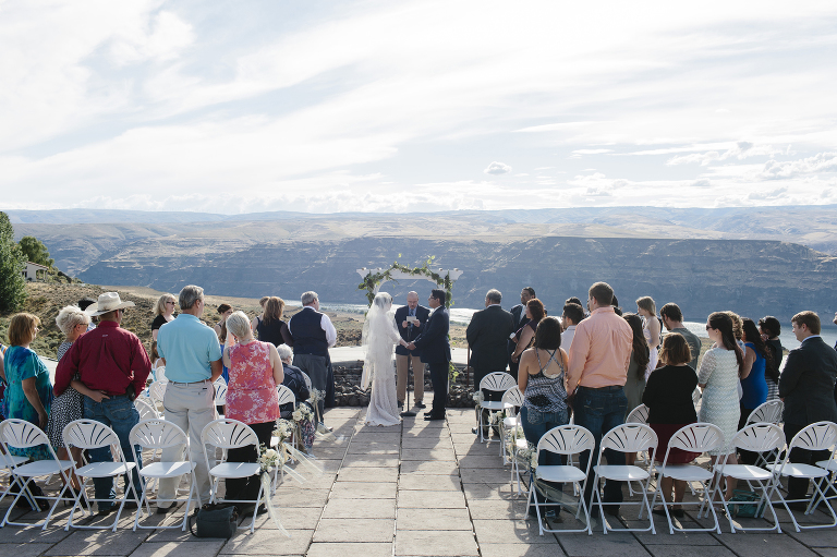 Wedding Ceremony By Columbia River At Cave B Winery Emily Wenzel Photography