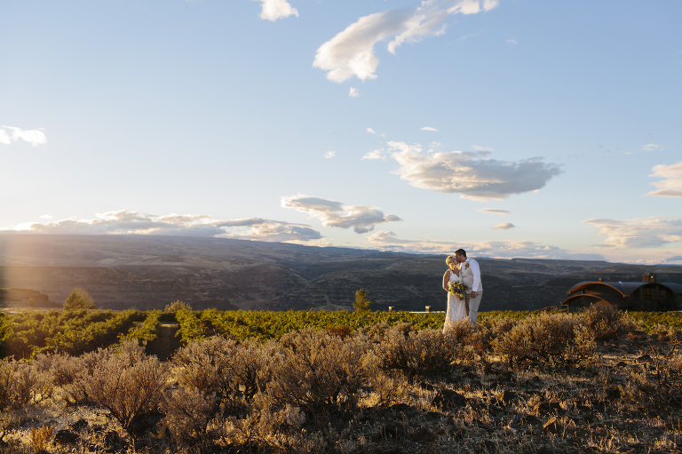 Eastern Washington Elopement At Cave B Inn Winery Emily Wenzel Photography