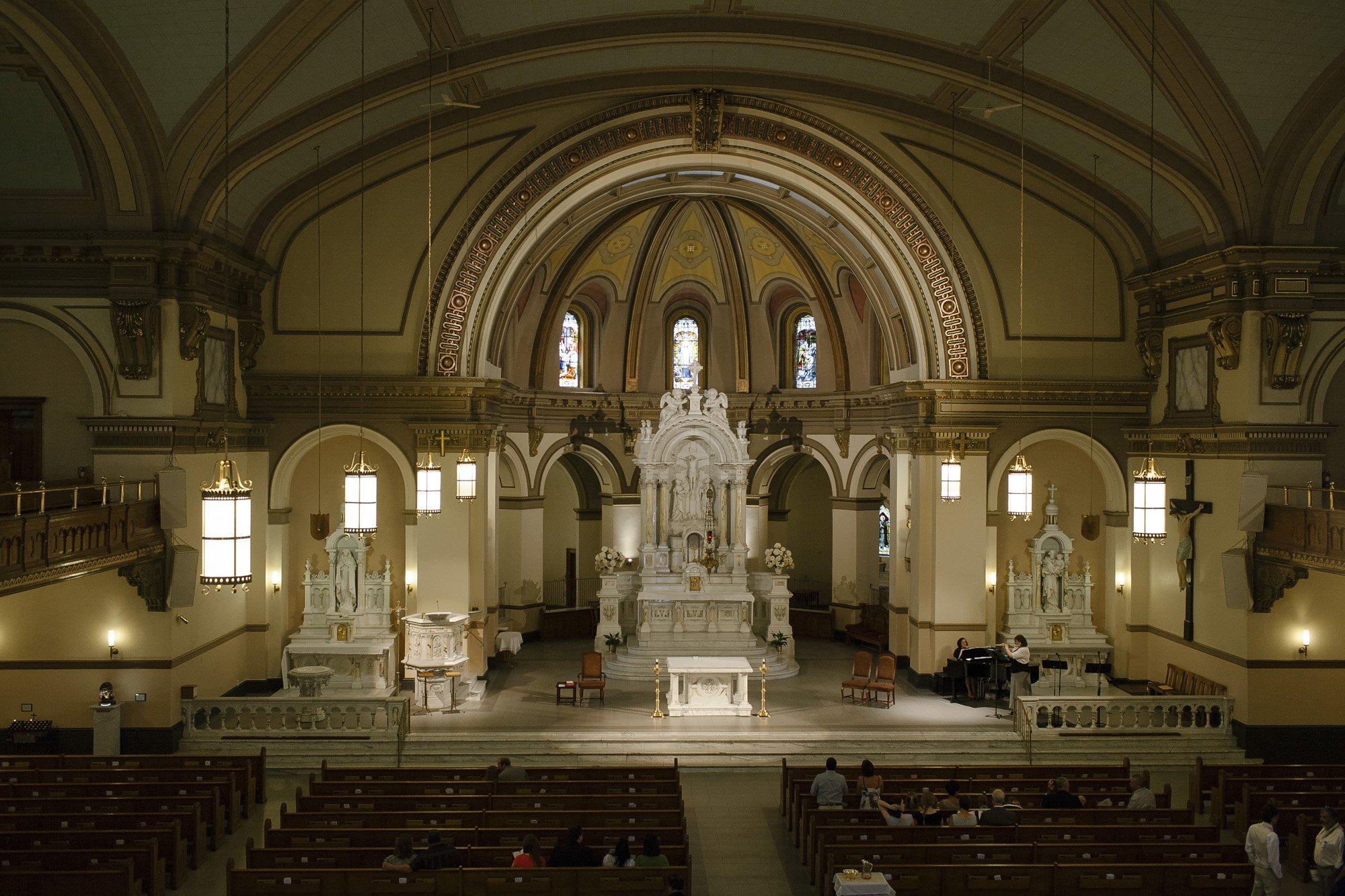 Gonzaga University St Aloysius Spokane Wedding // Emily Wenzel Photography