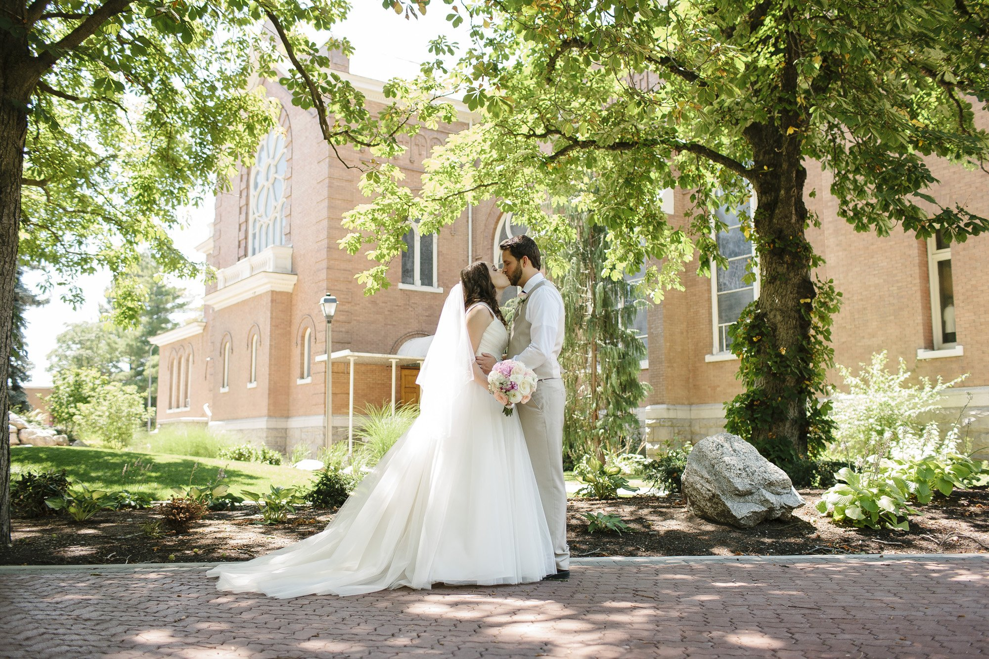 Gonzaga University Hemmingson Center Spokane Wedding // Emily Wenzel Photography