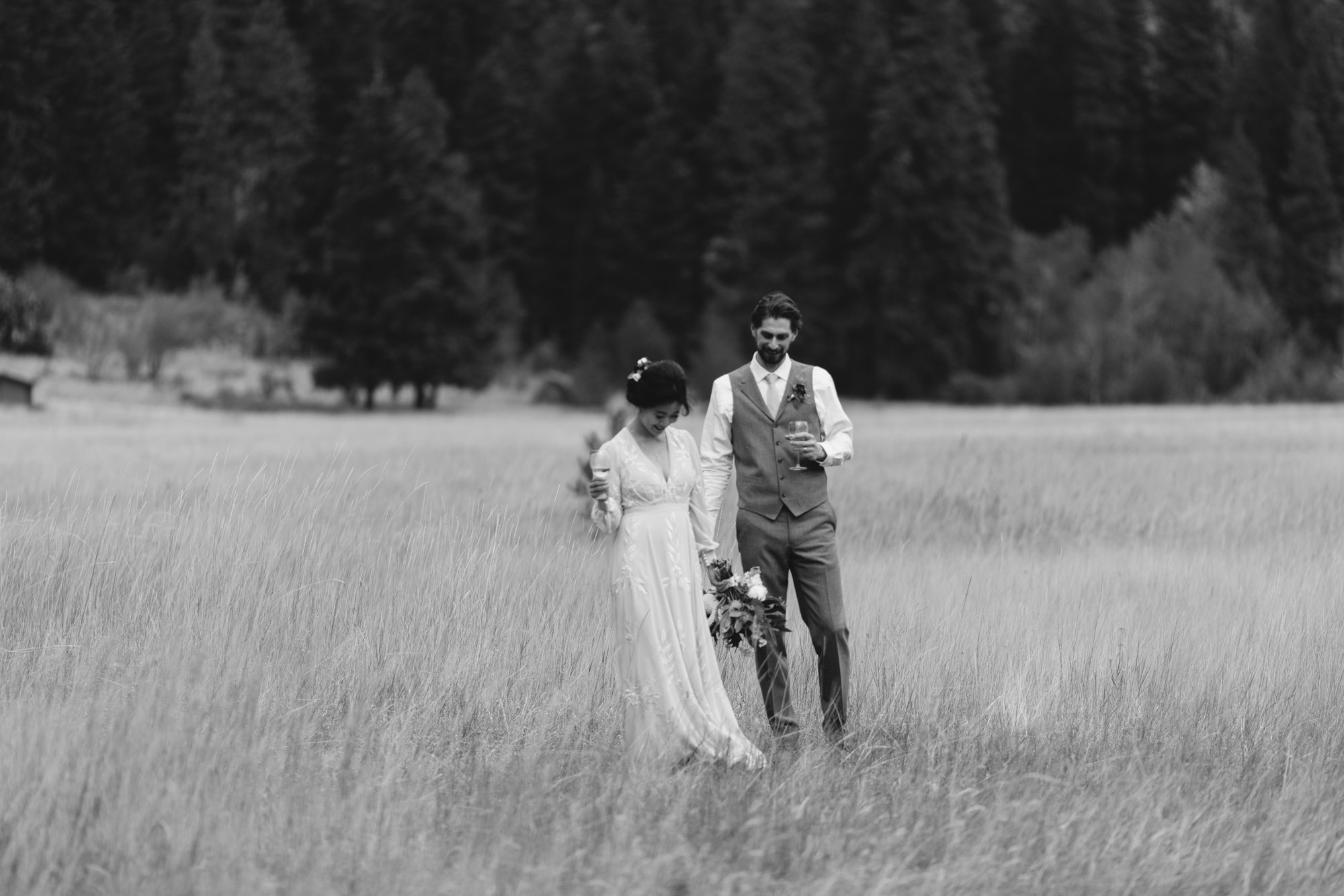 Simple timeless wedding portraits