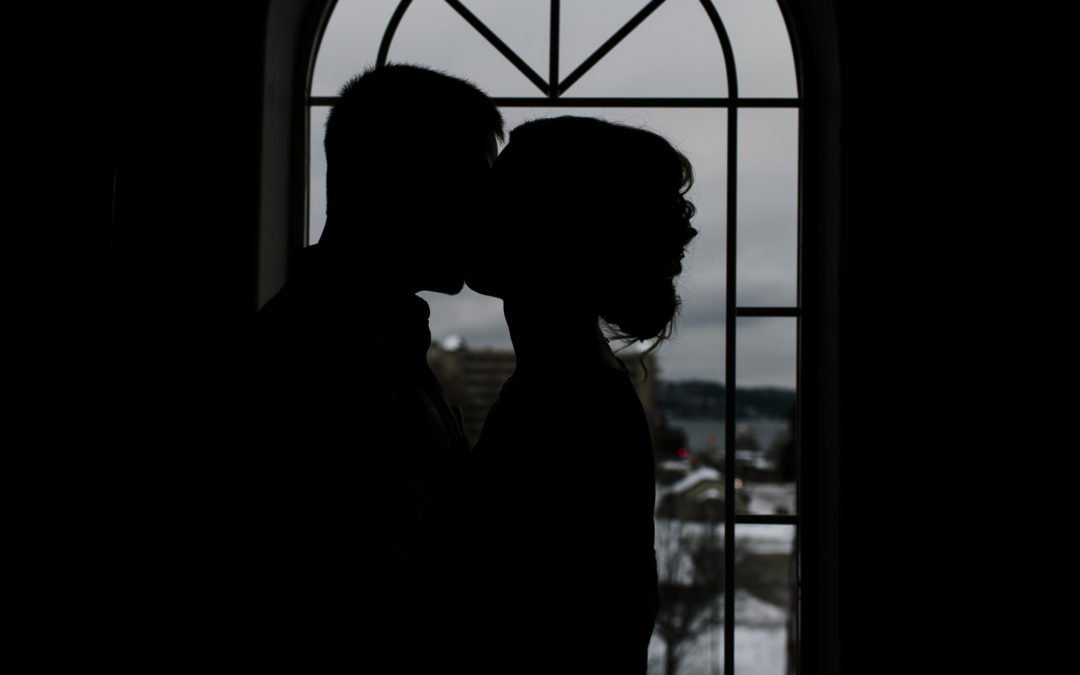 A New Year, A New Marriage — Roosevelt Inn Elopement // Coeur d'Alene North Idaho Wedding Photographer
