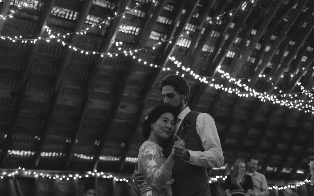 Jessi + Tim – Mazama Wedding Preview // Methow Valley Wedding Photography