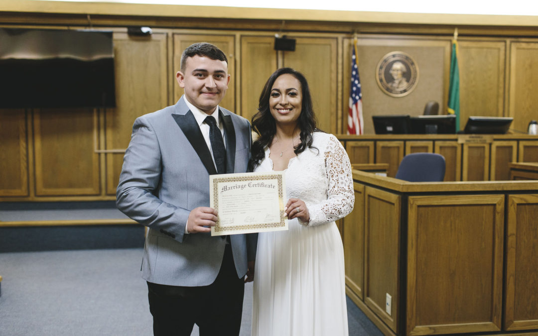 Belen + Giovanni – Courthouse Elopement Preview // Spokane Elopement Photography